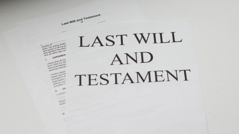 B.C. estate law: image of last will and testament, in relation to common will pitfalls